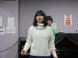 姉の田中さんも負けじと歌で応戦