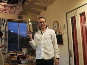 ジャーン、スズキワークスからのお祝い品。金のスパークリングワイン・ボッテガ!