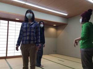 振りを細かく確認する田中結花さん